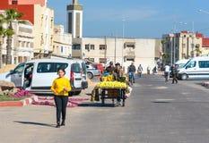Gata i Medina av Essaouira morocco Arkivfoto