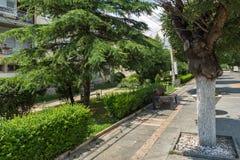 Gata i mitten av staden av Strumica, Republiken Makedonien arkivbilder