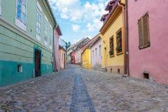 Gata i Sighisoara, Transylvania Arkivbilder