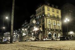 Gata och byggnader i Porto Fotografering för Bildbyråer