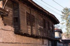 Gata och hus i den gamla staden av Koprivshtitsa, Bulgarien Fotografering för Bildbyråer