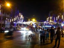 Gata som dekoreras för jul i mumbai Fotografering för Bildbyråer