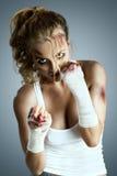 gata taekwondo som för krigs- för män för ben för knä för kickboxer för kick för konstkämpekarate kickboxing muay klar s mma är t arkivfoto