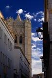 Gata till domkyrkan i Avila royaltyfria bilder