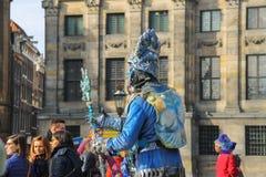 Gataaktör på fördämningfyrkant i Amsterdam, Nederländerna Royaltyfria Foton