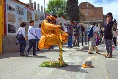 Gataaktör på gatan av Rome italy Royaltyfri Fotografi