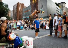 Gatadansare på Union Square i Manhattan Royaltyfria Bilder