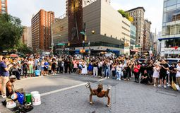 Gatadansare på Union Square i Manhattan Arkivbilder