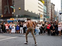 Gatadansare på Union Square i Manhattan Arkivbild