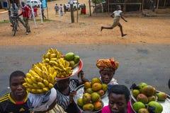 gataförsäljning i Burundi Arkivbilder