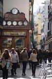 Gatafotografi 41: Ett shoppa område i Seville Royaltyfri Bild