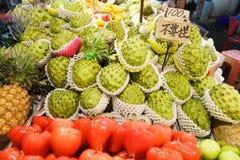 Gatafruktstall i asia Royaltyfri Bild
