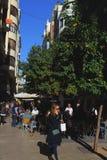 Gatakafé och atmosfär Valencia royaltyfri foto