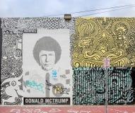 Gatakonst och väggmålningar i midtownen Miami Arkivfoto