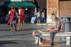 Gatakonstnär i den Navona fyrkanten Arkivfoton