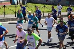 Gatalöpare på den 29th Belgrade maraton Arkivfoton