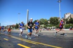 Gatalöpare på den 29th Belgrade maraton Royaltyfria Foton