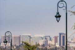Gataljus, San Jose centrum på bakgrunden, södra San Francisco Bay, Silicon Valley, Kalifornien arkivfoton