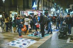 Gatamarknad i Bacelona, Spanien fotografering för bildbyråer