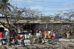 Gatamarknaden av staden av Dar Es Salaam i Tanzania Royaltyfri Fotografi