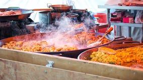 Gatamat Currys Ta away mat Arkivbilder