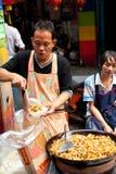 Gatamat i Bangkok, Thailand Royaltyfri Bild