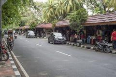 Gatan är tyst under ferierna på den Jalan Surabaya antikviteten och loppmarknaden royaltyfri fotografi