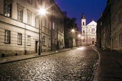 Gatan av den gamla staden i Warszawa royaltyfri bild