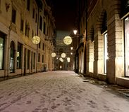 gatan i centrum kallade CONTRA DEL MONTE av Vicenza City i den Royaltyfri Fotografi