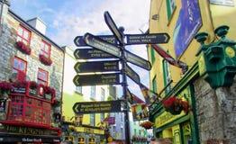 Gatan undertecknar in Irland Fotografering för Bildbyråer