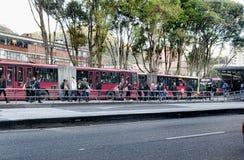 Gataplats av folk i Bogota Colombia Royaltyfria Bilder