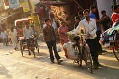 Gataplats från gammala Delhi, Indien Arkivfoto