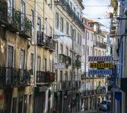 Gataplats i Lissabon Arkivbild