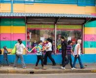 Gataplats i San Jose Costa Rica arkivbild