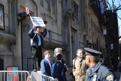 Gatapredikant, evighet, NYC, NY, USA royaltyfria foton