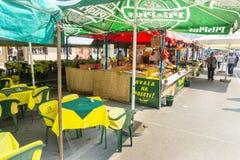 Gatarestaurang på Roshtilyade Leskovac i Serbien Arkivfoto