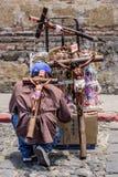 Gatasäljare av religiösa symboler, Antigua, Guatemala Royaltyfri Fotografi
