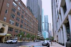 Gatasikt av Chicago som är i stadens centrum nära Michigan sjön Royaltyfria Foton