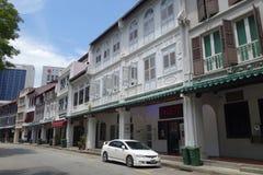 Gatasikt av den Amoy gatan i Singapore Royaltyfri Bild