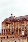 Gatasikt av den gamla staden i bordeauxstad Royaltyfria Foton