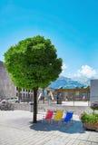 Gatasikt av den Vaduz staden, Liechtenstein Royaltyfri Bild