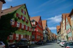 Gatasikt av Dinkelsbuhl, en av de arketypiska städerna på Get royaltyfria foton