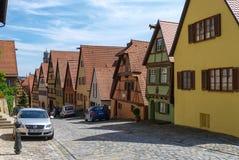 Gatasikt av Dinkelsbuhl, en av de arketypiska städerna på Get arkivfoto