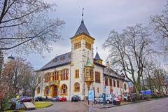 Gatasikt av forntida byggnad i Solothurn den gamla staden Royaltyfri Fotografi