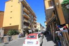 Gatasikt i Pisa, Italien Royaltyfri Bild