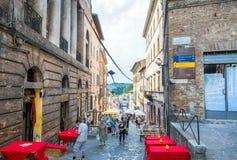 Gatasikt i Urbino, Italien Arkivbild