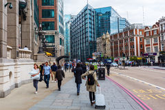 Gatasikt på Bishopsgate i London, UK Royaltyfria Bilder