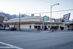 Gatasikten i den historiska byn av ensamt sörjer - ENSAMT SÖRJA CA, USA - MARS 29, 2019 arkivfoton