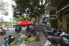 Gatasäljare i Ho Chi MInh, Vietnam Royaltyfria Foton