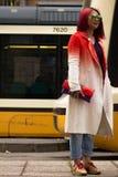 Gatastil under Milan Fashion Week för nedgången/vintern 2015-16 Arkivbild